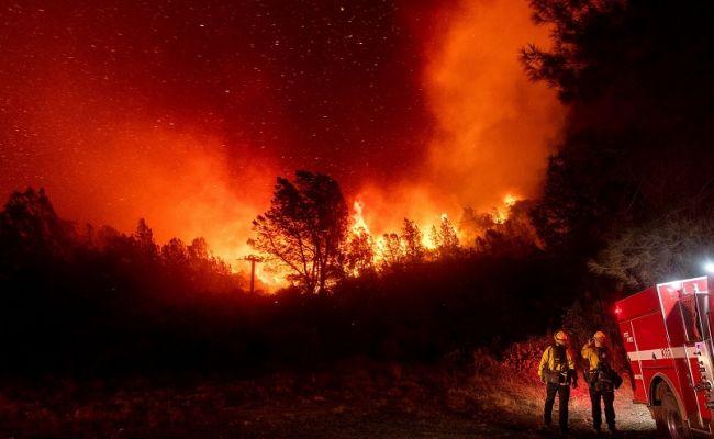 Пожары назападе США— 1,7 млн гаобращены впепел, уничтожены целые города