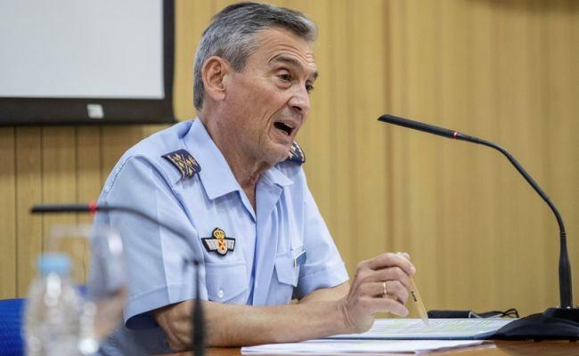 Командующий ВС Испании подал в отставку после VIP-вакцинации от «ковида»