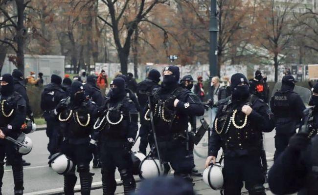 «Кадры из Минска»: экипировка польской полиции шокировала оппозицию