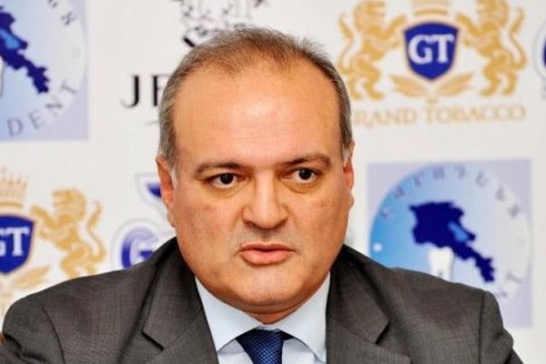 Эксперт: Власти Армении не определились с кандидатурой будущего премьера