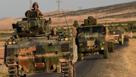 Турция начала массированный обстрел курдских деревень в Сирии