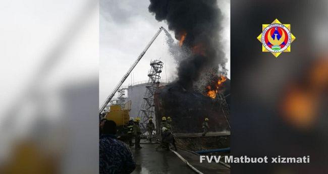 abfd4387bd023d44d5568c3ce249c ВУзбекистане нанефтебазе горит гигантская цистерна сгорючим