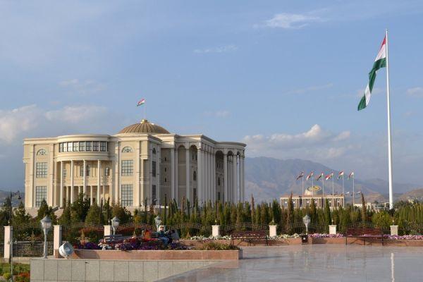 Душанбе рассматривает вопрос о вступлении в ЕАЭС