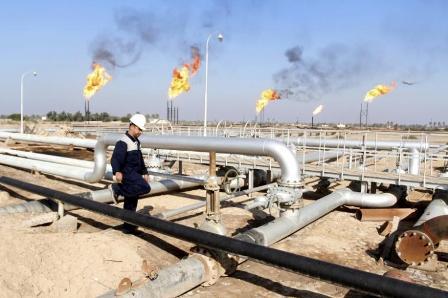 Нефть в плюсе на ожиданиях продления пакта ОПЕК+