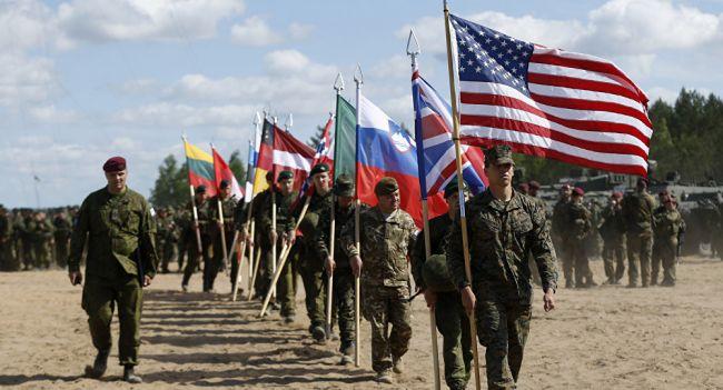 Меркель: Присоединение НАТО к международной коалиции по борьбе с ИГ – сильный сигнал