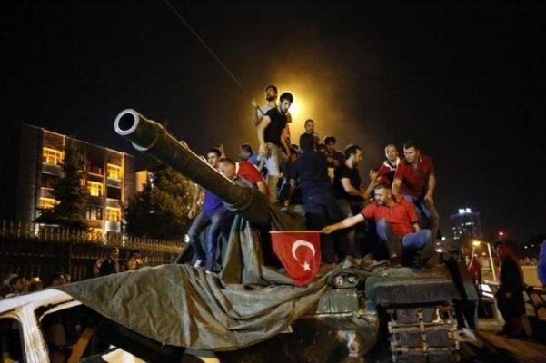 Эксперты: Провальный переворот приведет к более массовым репрессиям в Турции