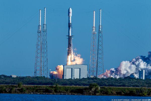 Компания Илона Маска вывела на орбиту военный спутник США