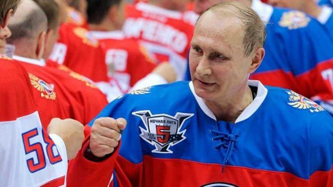 Либеральные СМИ подняли шумиху вокруг падения Путина на хоккейном поле