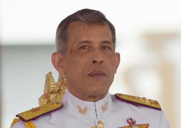 Король Таиланда запретил сестре-принцессе участвовать в выборах