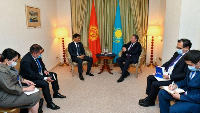 Казахстан иКиргизия обсудили возобновление транспортного сообщения