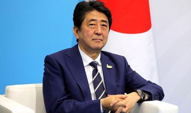 Экс-премьер Японии: заключить мир сРоссией помешали США